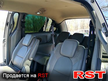 CHRYSLER Town Country Limited, обмен 2005